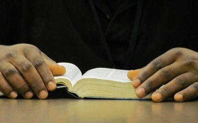 Taalles met behulp van de Bijbel