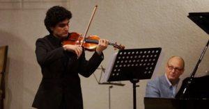 Hrayr Ter Sargsyan werkt mee aan kerstviering